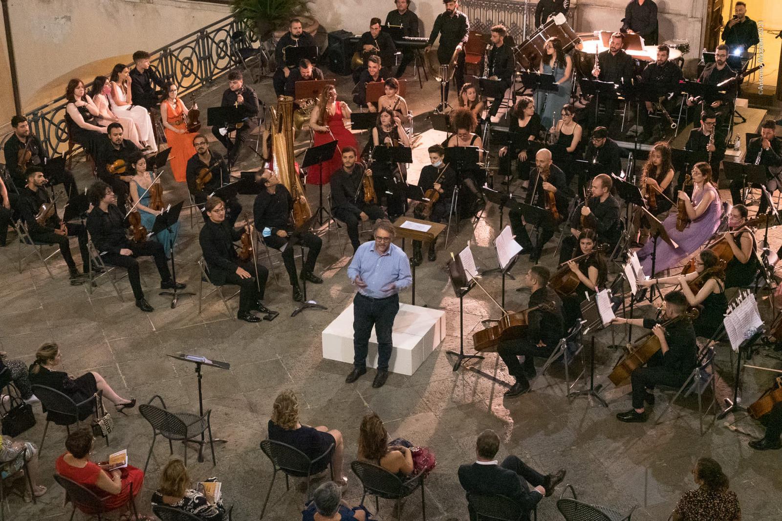 direttore Perri e Conservatorio di musica d Cosenza (1)