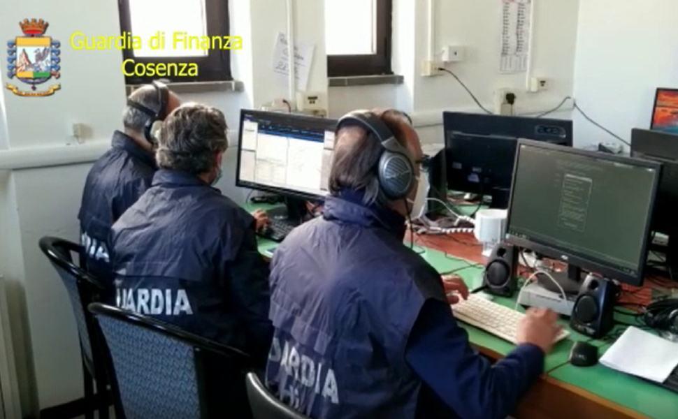 Guardia-di-finanza-Cosenza-1
